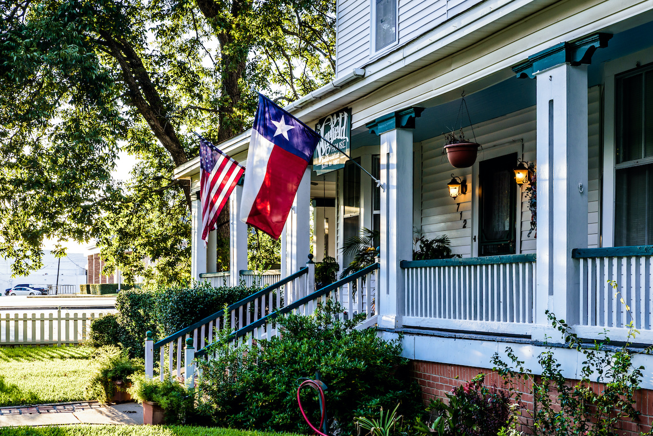 House with flag of Texas
