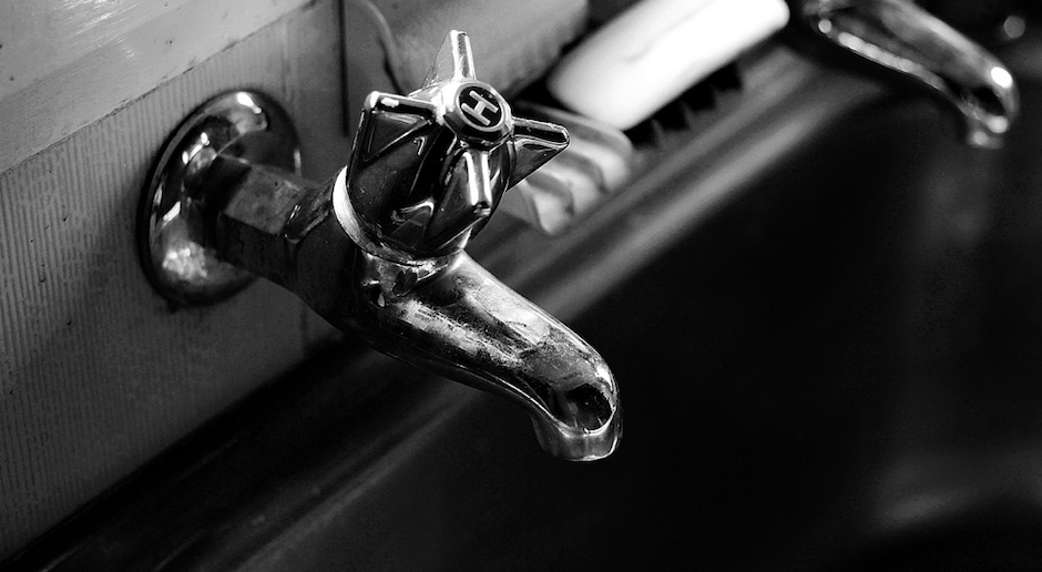 There are commonsense ways to get hot water to your hot water tap faster in new homes.