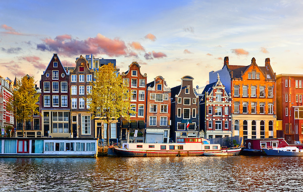 The Amsterdam Canal Houses: 300 Years Old and Still Standing | Professional  Builder