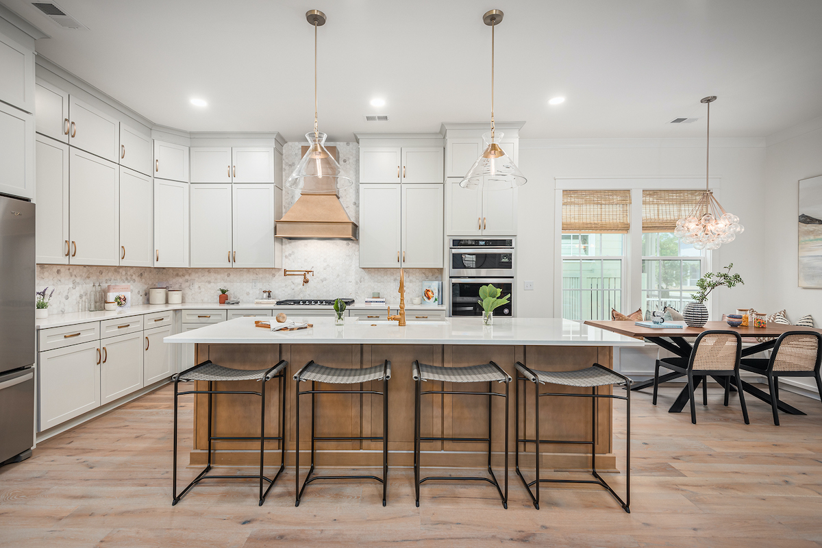 Founders Pointe kitchen