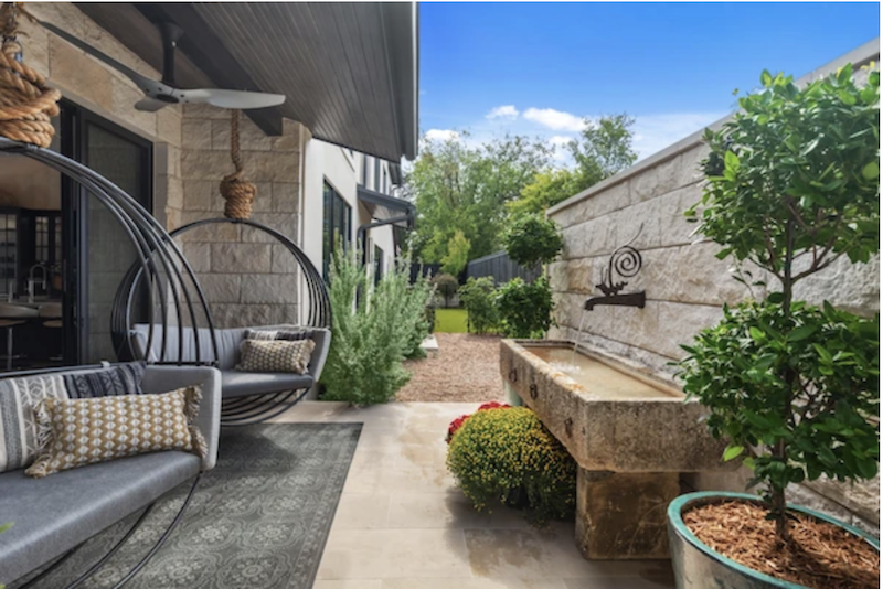 Outdoor living space at the LEED Platinum Greenlab show house in Dallas