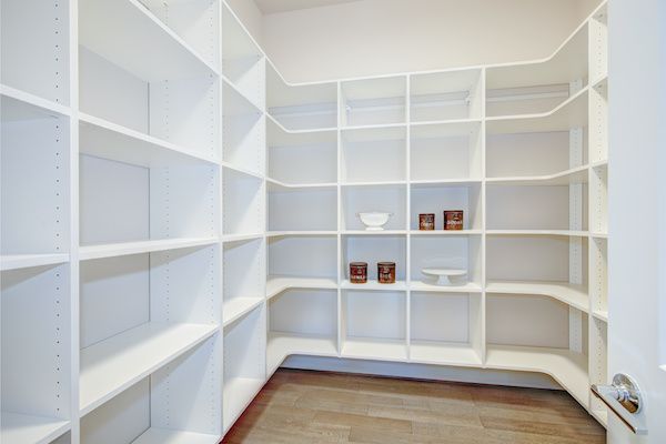 Ceiling to floor shelving