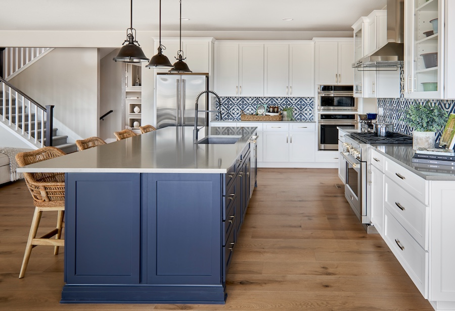 Blue hues in the kitchen look fresh