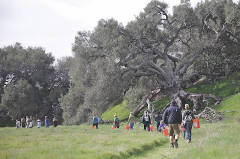 Rancho Mission Viejo residents going hiking together