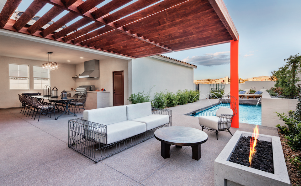 Strada-Pardee Homes-zoned backyard-outdoor kitchen-pool