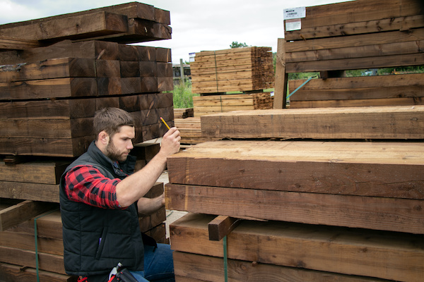Lumber yared inventory check