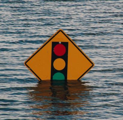 Traffic_sign_in_flood_water