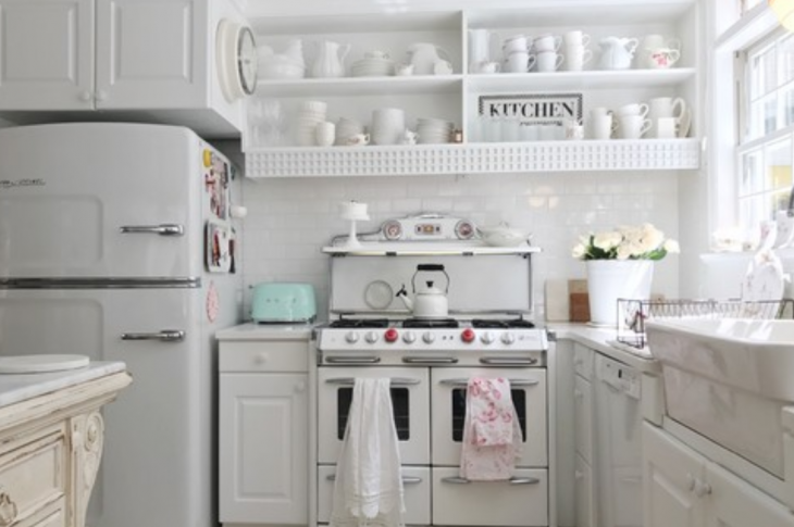 Shabby_chic_small_kitchen