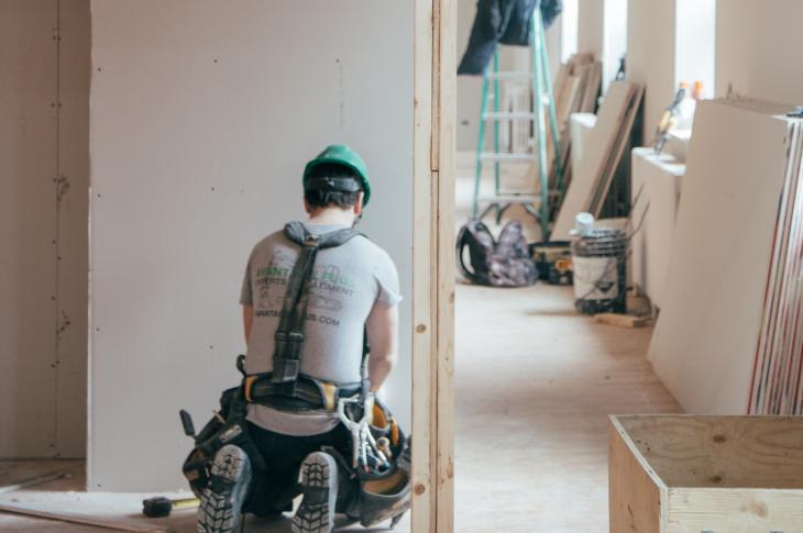 "According to the Federal Reserve, the ""gig economy"" is the number one issue impacting worker safety in the U.S. This is especially true for contract workers in transportation and construction."