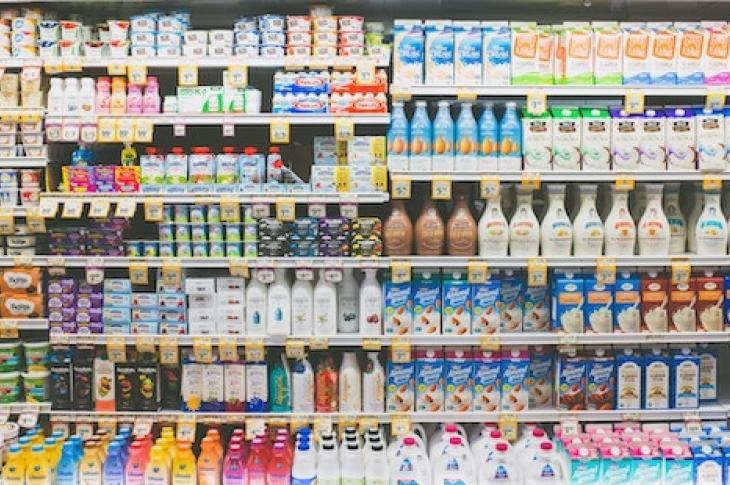 Store_shelves_in_dairy_section