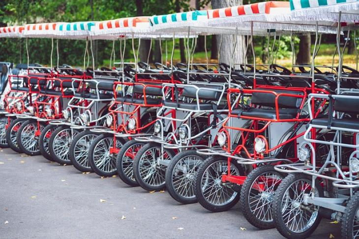 Row_of_quadricycles