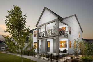 home exterior with clean lines by Osmosis Architecture, Boulder, Colo.