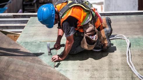 Construction_worker_on_roof