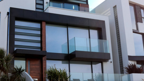 Modern homes with large windows gain popularity